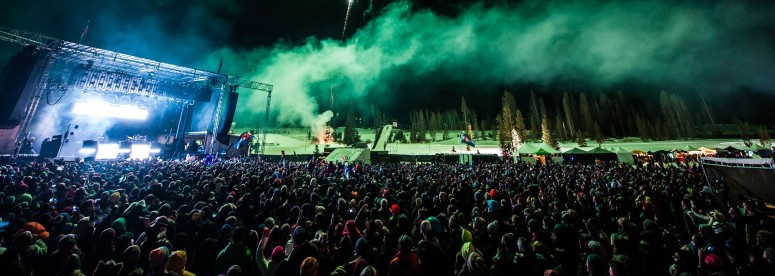 edm-festival-crowd